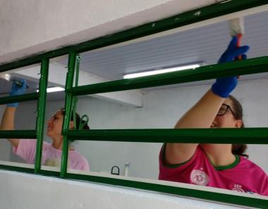 Voluntários do Aurora Alimentos auxiliam na ampliação do CEIM