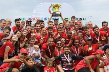 METROPOLITANO É CAMPEÃO SUL-BRASILEIRO DE FUTEBOL AMADOR
