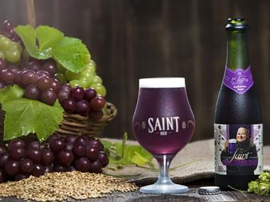 Cerveja com cor de vinho é o novo lançamento da Saint Bier