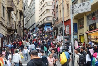 Megaoperação combate comércio irregular no centro de SP