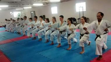 Com delegação de 30 atletas, Içara disputa Terceira Etapa Estadual de Karatê
