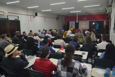 Gestores, professores e alunos discutem a internacionalização da Unesc