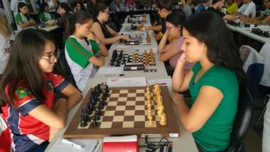 Içarense é tricampeã brasileira de Xadrez