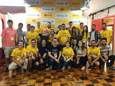 Satc vence Startup Weekend com proposta de empréstimo de máquinas ociosas