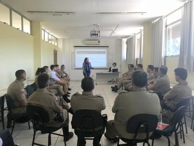 Policiais Militares recebem capacitação sobre violência doméstica através do Projeto Amora