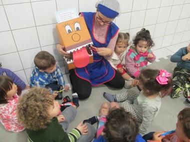 Grupo dois do CEI Afasc Aluim Michels recebe orientações sobre saúde bucal
