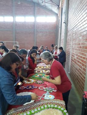 Clubes de Mães da Afasc participam de workshop com professora da empresa Círculo