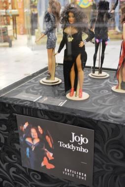 Shopping Della recebe exposição Mulheres Marcantes