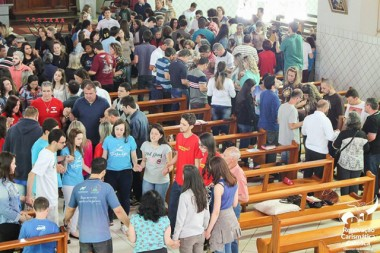 RCC promove Cenáculo com Maria na igreja São Paulo Apóstolo