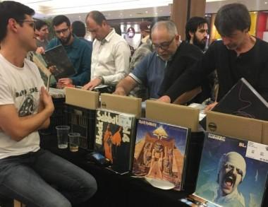 Feira de Vinil reúne admiradores no Nações Shopping