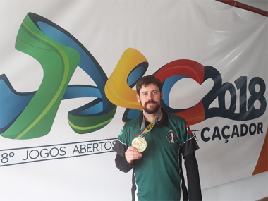 Claudionor Pirola é ouro no xadrez individual do Jasc