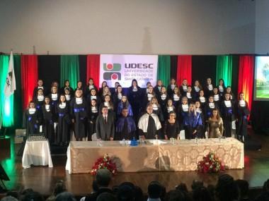 Udesc forma 250 estudantes de Pedagogia a Distância em dez municípios catarinenses