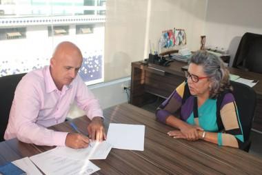 Governo de Rincão ratifica convenio com a APAE de Içara