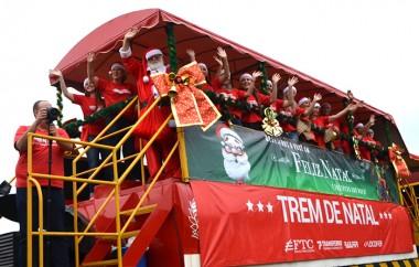 Trem de Natal da Ferrovia Tereza Cristina chega nesta quarta