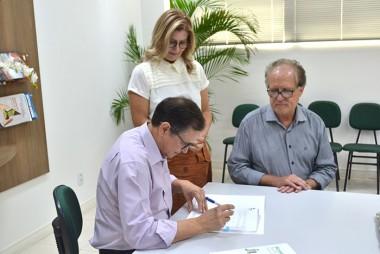 Unesc e Sicredi firmam parceria para curso de Extensão a Distância