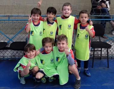 Campeonato interno de futsal movimenta as escolinhas