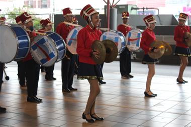 Banda Oswaldo Hulse toca no Terminal Central