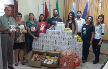 Empresa Librelato realiza doação de alimentos para a Família Feliz