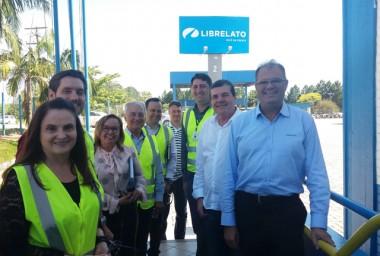 Comitiva da Fiesc visita a empresa Librelato