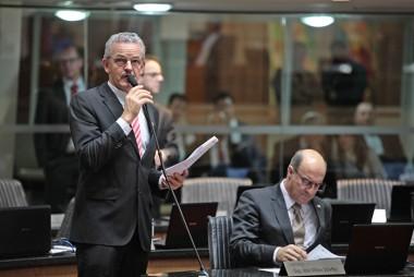 Dresch vota contra criação de 462 vagas sem concurso público no TJ
