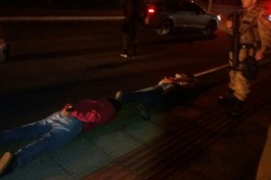 Polícia Militar prende assaltantes e recupera veículo