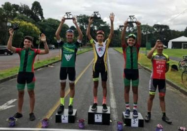 Içara em 1º lugar no GP Aniversário de Araucária de Ciclismo