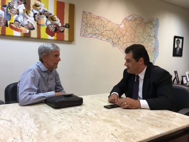 Deputado Cleiton Salvaro viabiliza 32 novos veículos para prefeituras