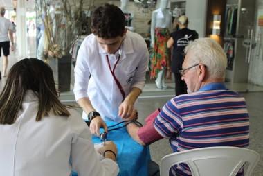 Bistek Supermercados promove campanha sobre Novembro Azul