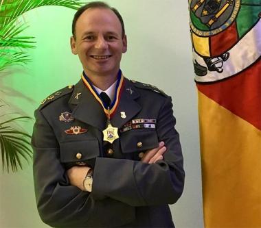 Comandante do 19º BPM recebe Comenda em Caxias do Sul