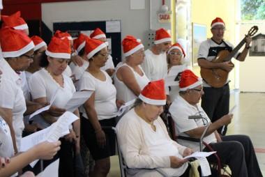 CER Musical encanta campus da Unesc com canções natalinas