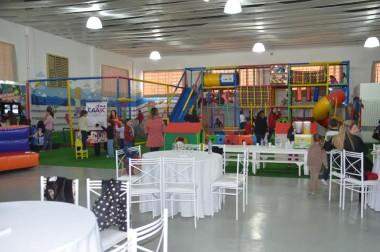 Projeto de férias garante recreação às crianças