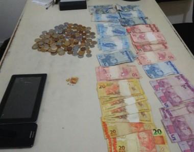 Polícia Militar de Araranguá prende casal por tráfico de drogas