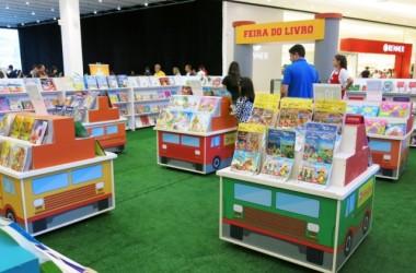Feira do Livro Book Truck chega ao Nações Shopping