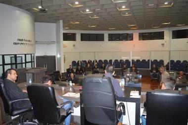 Vereadores investem em reuniões e análise para opinar sobre gestão administrativa do HRA