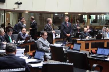 Deputados defendem reuso e redução de agrotóxicos
