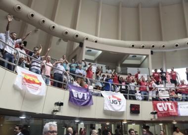 Protestos impedem a realização de fórum sobre reforma trabalhista