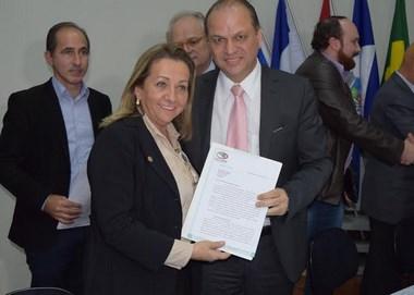 Municípios Catarinenses entregam pleitos ao Ministro da Saúde