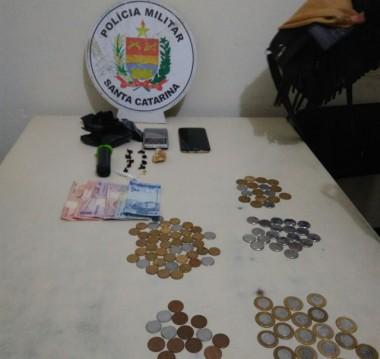 Polícia Militar de Araranguá apreende adolescente por tráfico de drogas