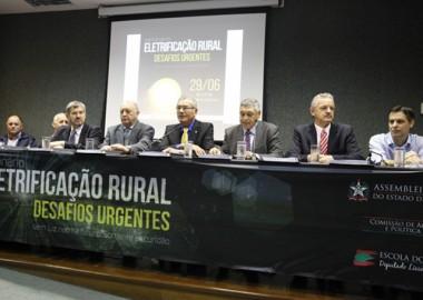 Seminário debate os desafios para a eletrificação rural em SC