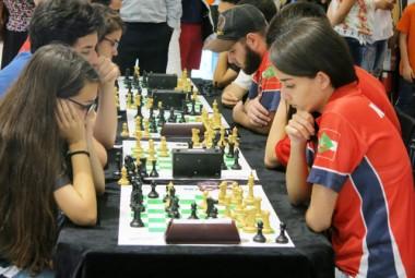 Içara e Bairro da Juventude organizam Catarinense de Xadrez