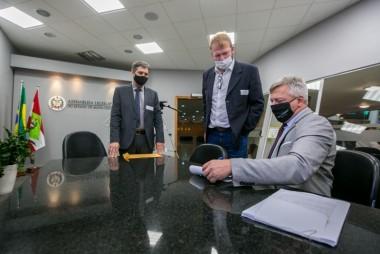 Defesa de vice no segundo pedido de impeachment é entregue na Alesc
