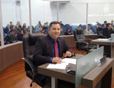Educadores lotam Câmara Municipal de Araranguá