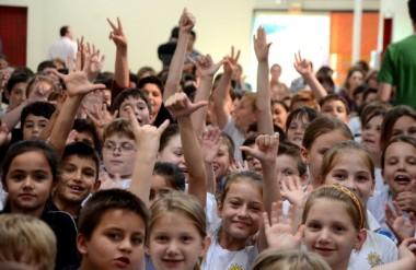 Aulas da rede estadual de ensino começam nesta segunda