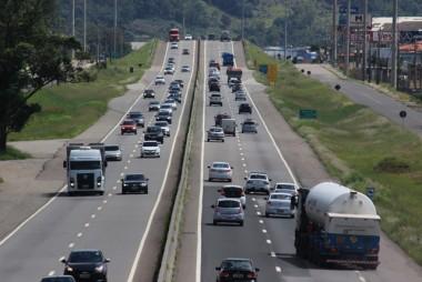 Acréscimo na quantidade de veículos aumenta cuidados na BR-101 Sul/SC
