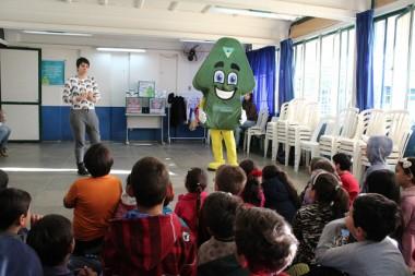 """Projeto """"A Turminha do Sulca"""" passa por escolas de Araranguá"""