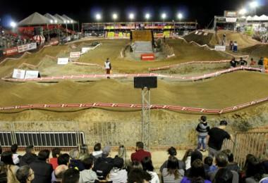 Adrenalina e velocidade marcam a 2ª etapa do Arena Cross