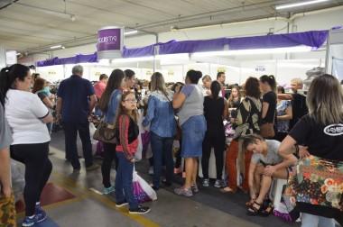 Mega Bazar do Farol Shopping inicia com grande público