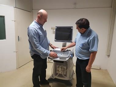 Ronaldo Benedet entrega ultrassom para o HSD
