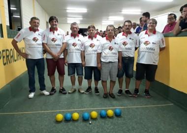 Equipe Liri comemora o Título no Municipal de Bocha