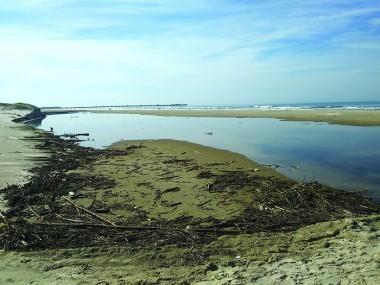 Frio intenso e ressaca no litoral catarinense
